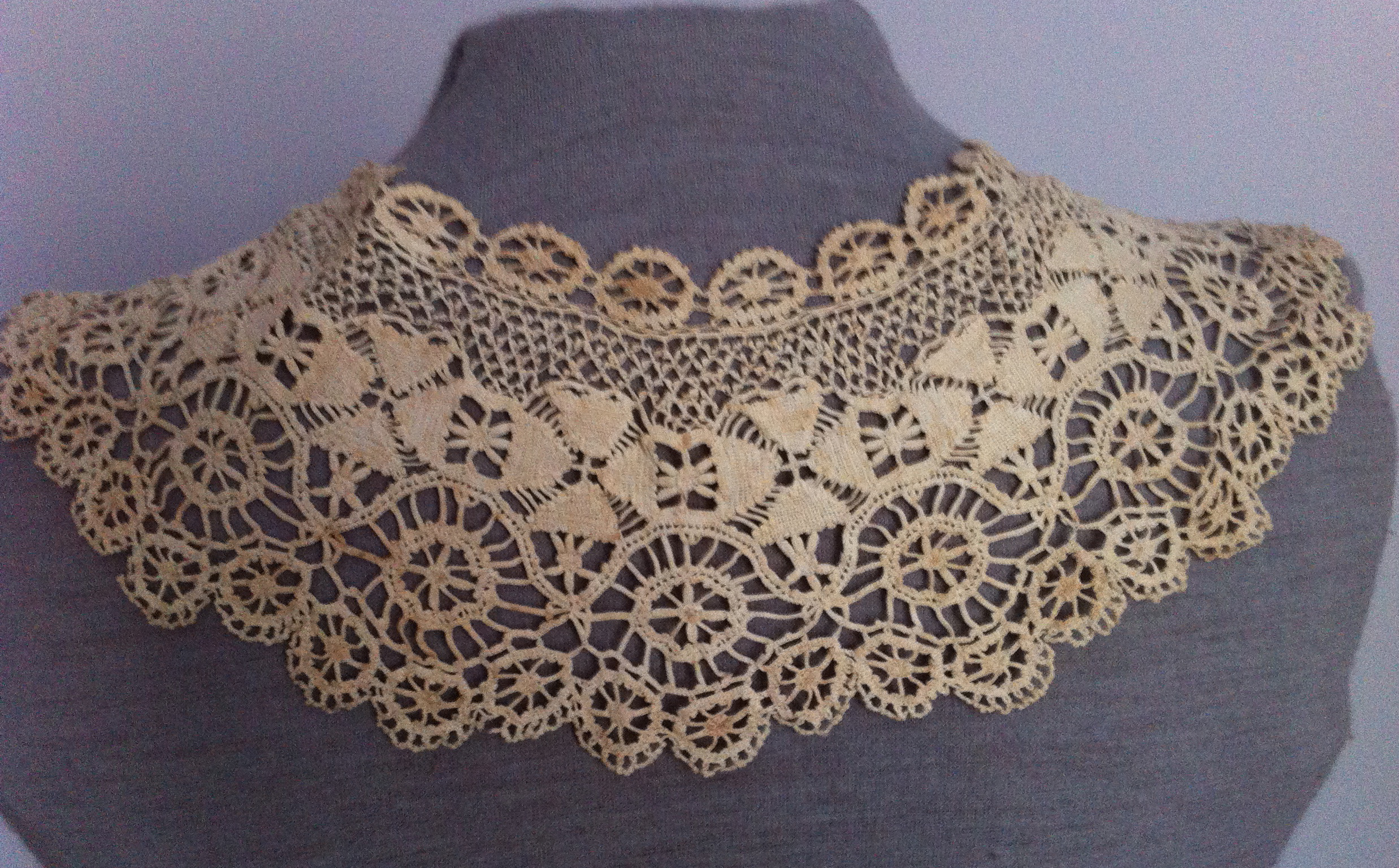 Crocheted Maltese Lace - Collecting Insouciant Lace Crochet ...